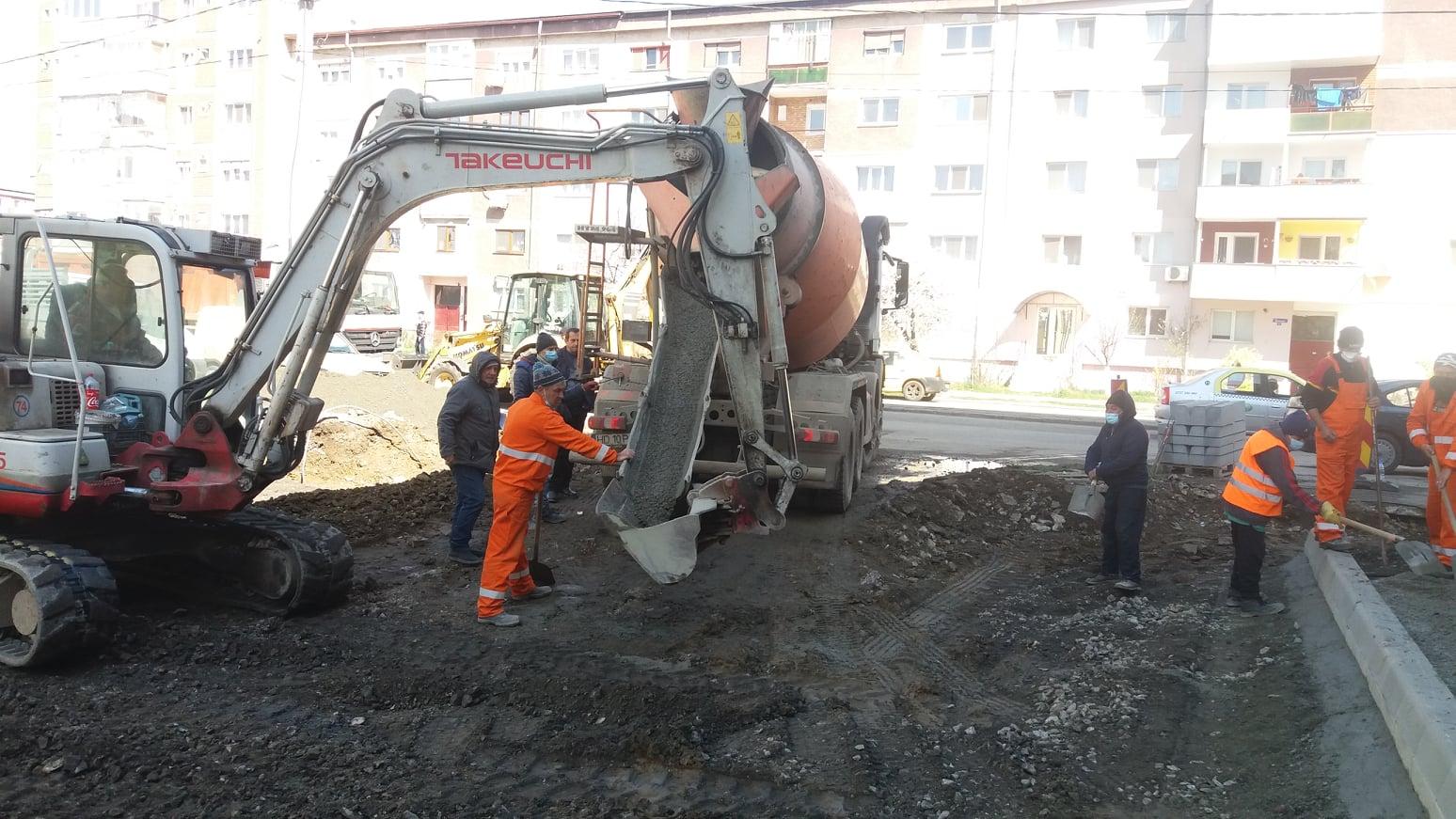 """Hunedoara: De trei ori mai multe locuri de parcare """"în spate la Novello"""""""