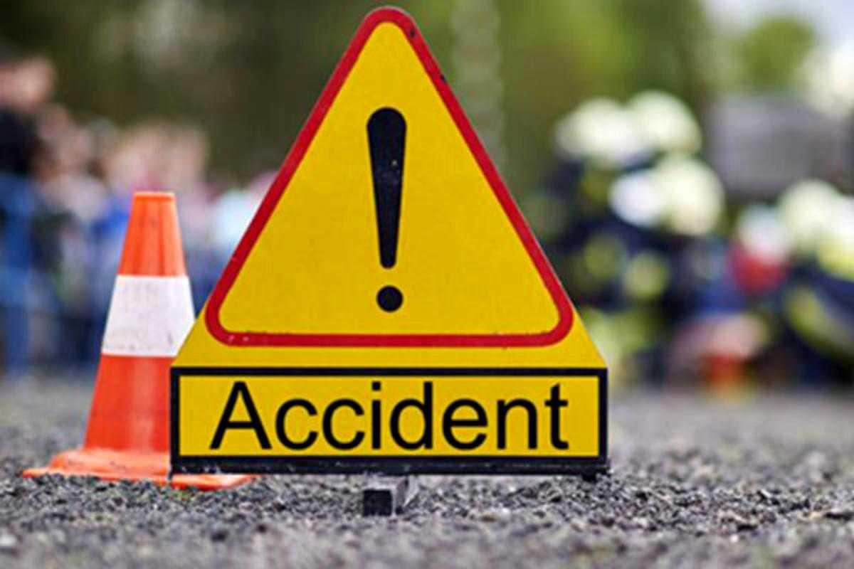 Doi copii, răniţi uşor în urma unui accident rutier produs la Hunedoara