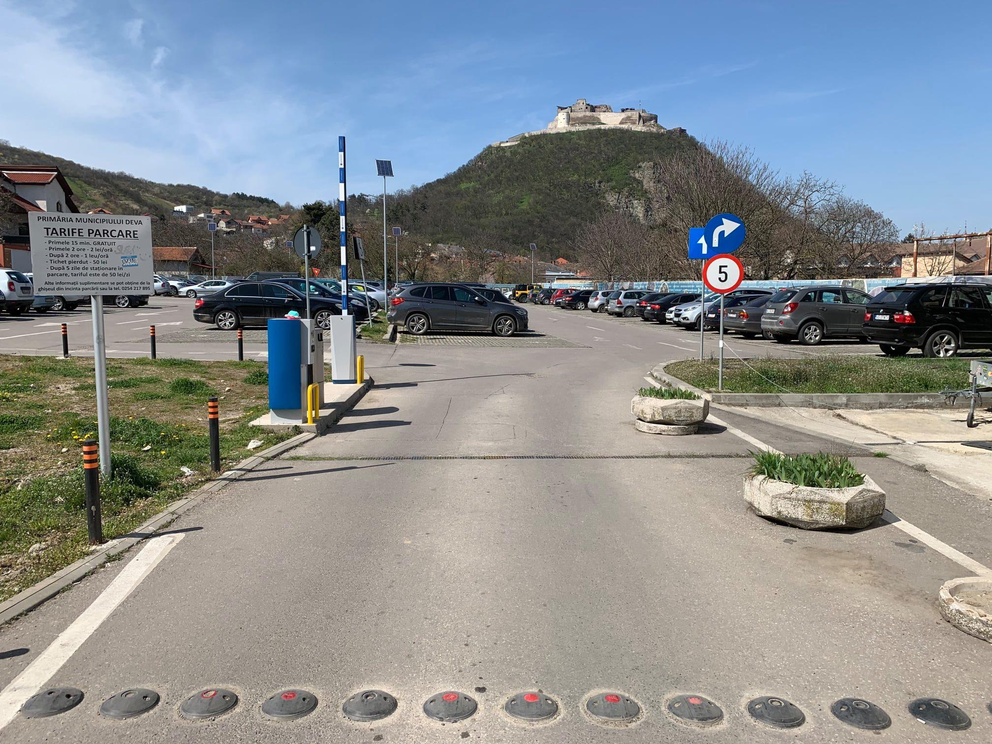 Parcarea Publică din Piața Unirii, din Deva, va funcționa cu plată, din 15 aprilie