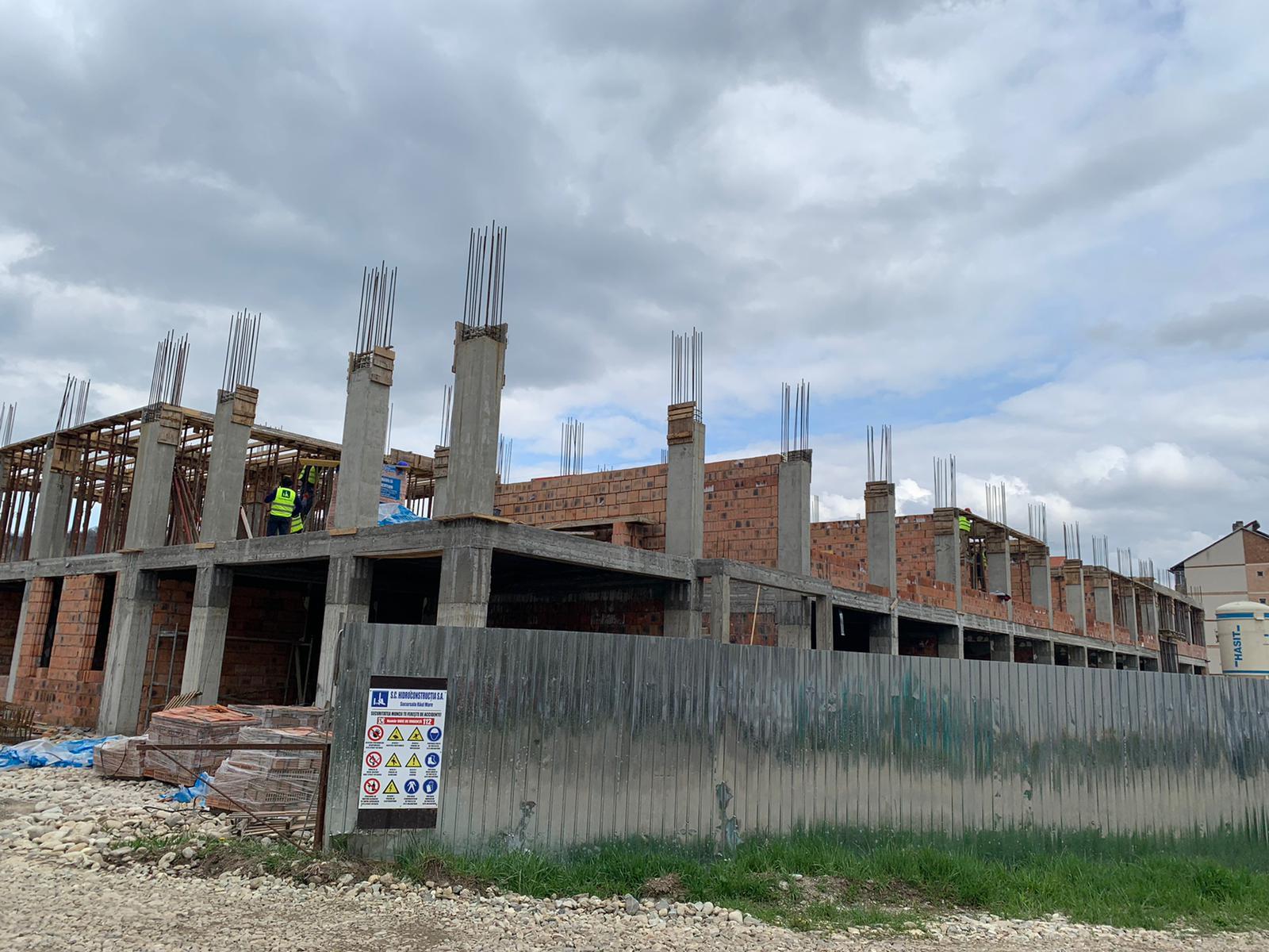 Investiţii în educaţie la Haţeg. Şcoala construită de la zero, cu bani europeni, prinde tot mai mult contur -FOTO