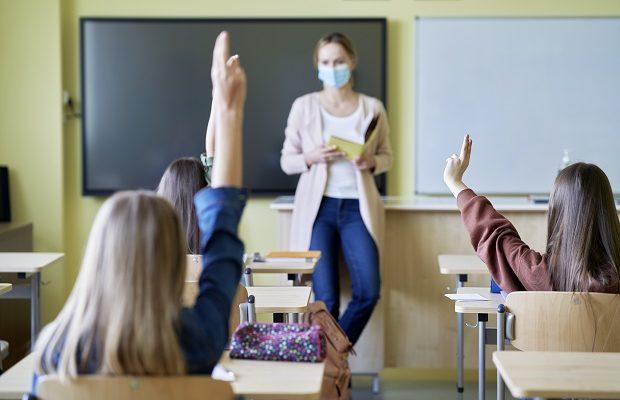 În zeci de școli, din județ, se reia activitatea cu elevii în bănci. Care sunt scenariile după care vor funcționa unitățile de învățământ săptămâna viitoare