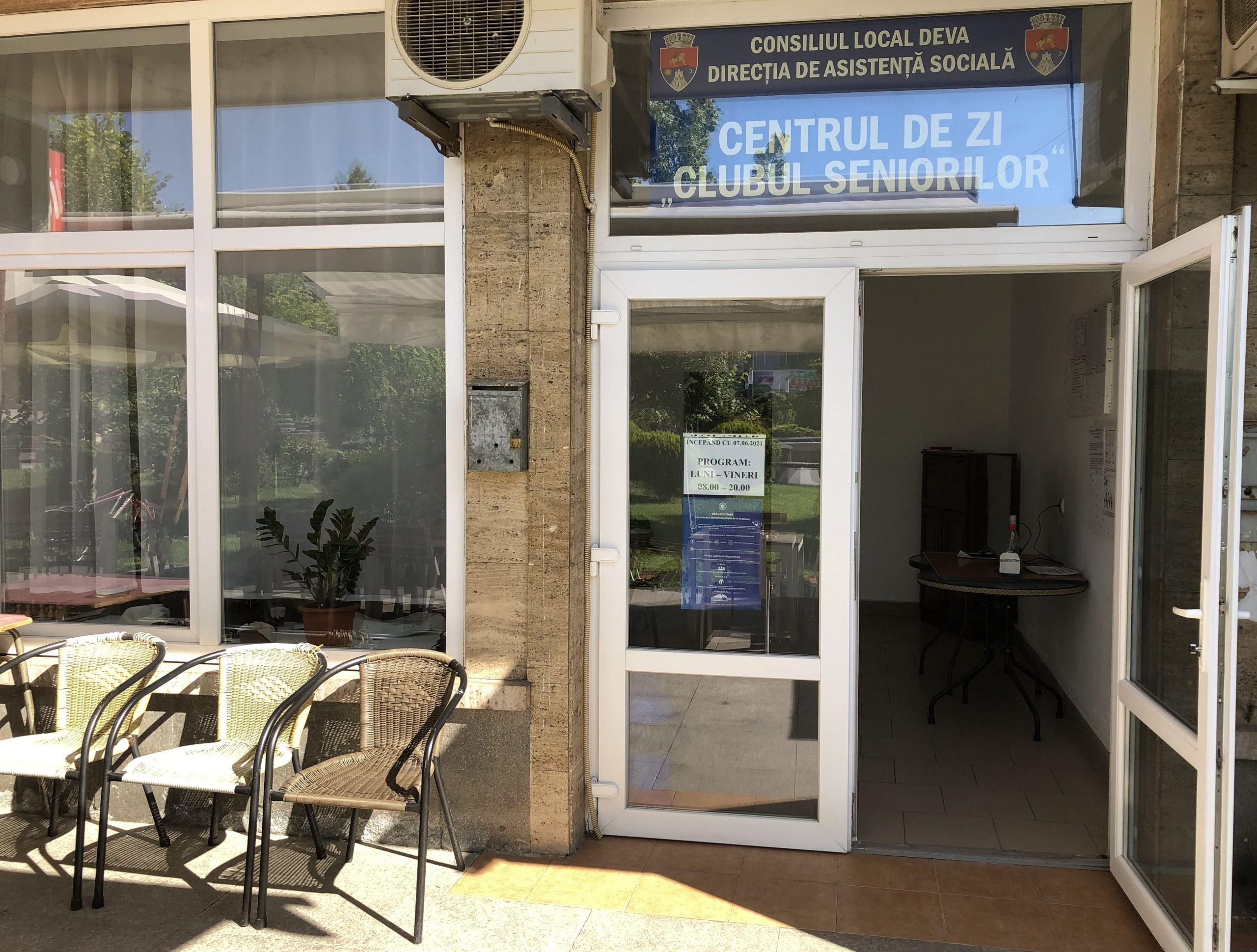 """Program de vară la """"Clubul Seniorilor"""" din Deva"""