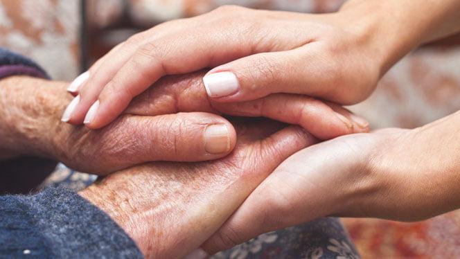 Servicii de îngrijire la domiciliu – gratuite pentru persoane vârstnice cu venituri reduse din Deva