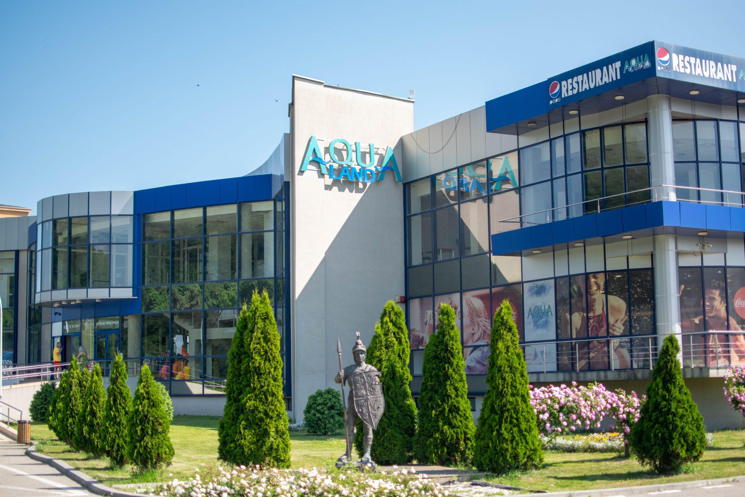"""Liber la bălăceală la """"Aqualand"""" Deva! Imagini din interior, în prima zi de redeschidere-FOTOGALERIE"""