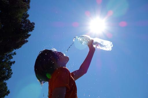 Puncte de distribuire a apei potabile amenajate și în municipiul Petroșani