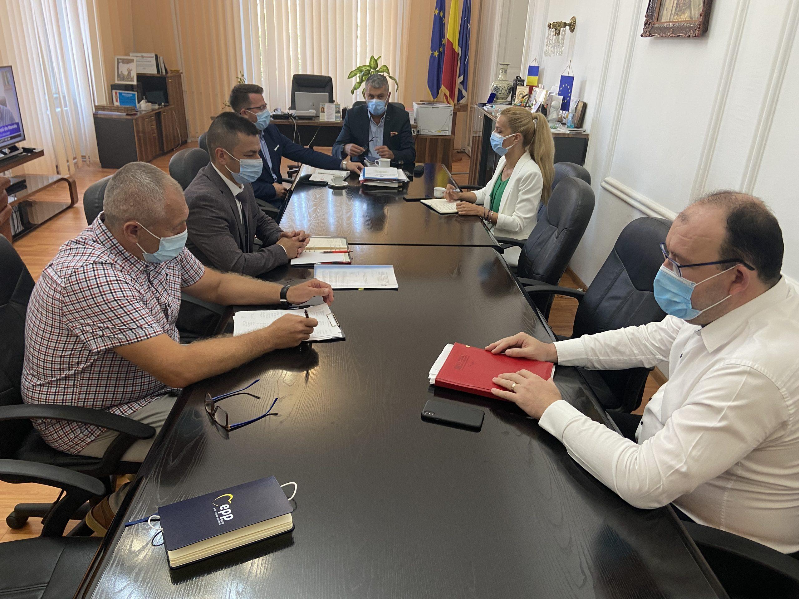 Întâlnire de lucru, la Prefectura Hunedoara, privind situația tehnică a Termocentralei Mintia