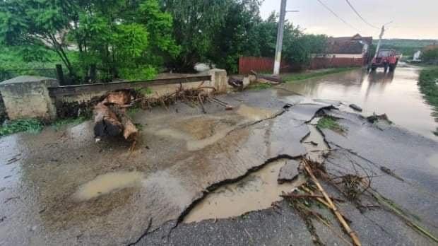Aproape 150 de milioane de lei, ajutor de la Guvern, pentru localităţile afectate de inundaţii