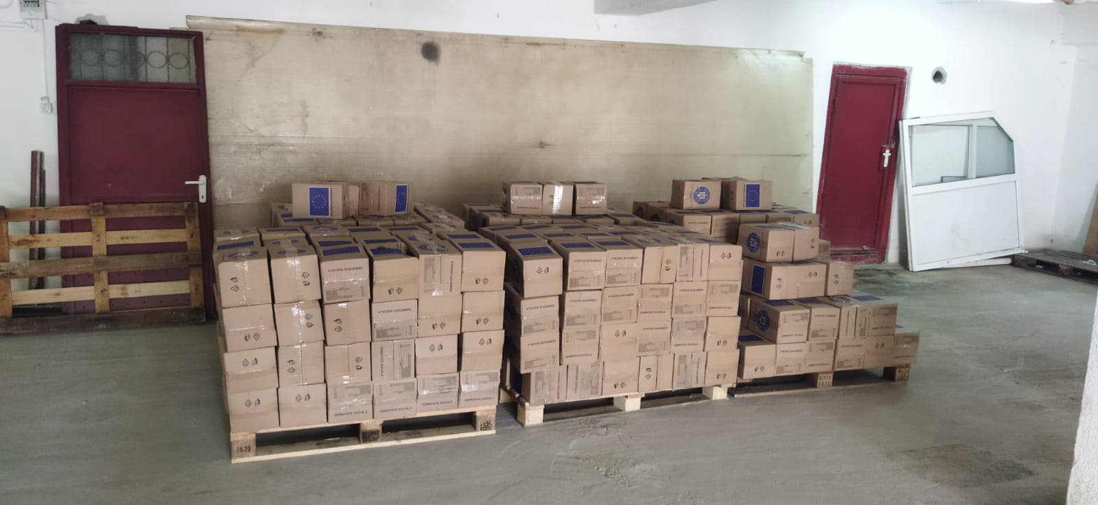 Se distribuie și la Hațeg produse de igienă, prin Programul Operaţional Ajutorarea Persoanelor Defavorizate