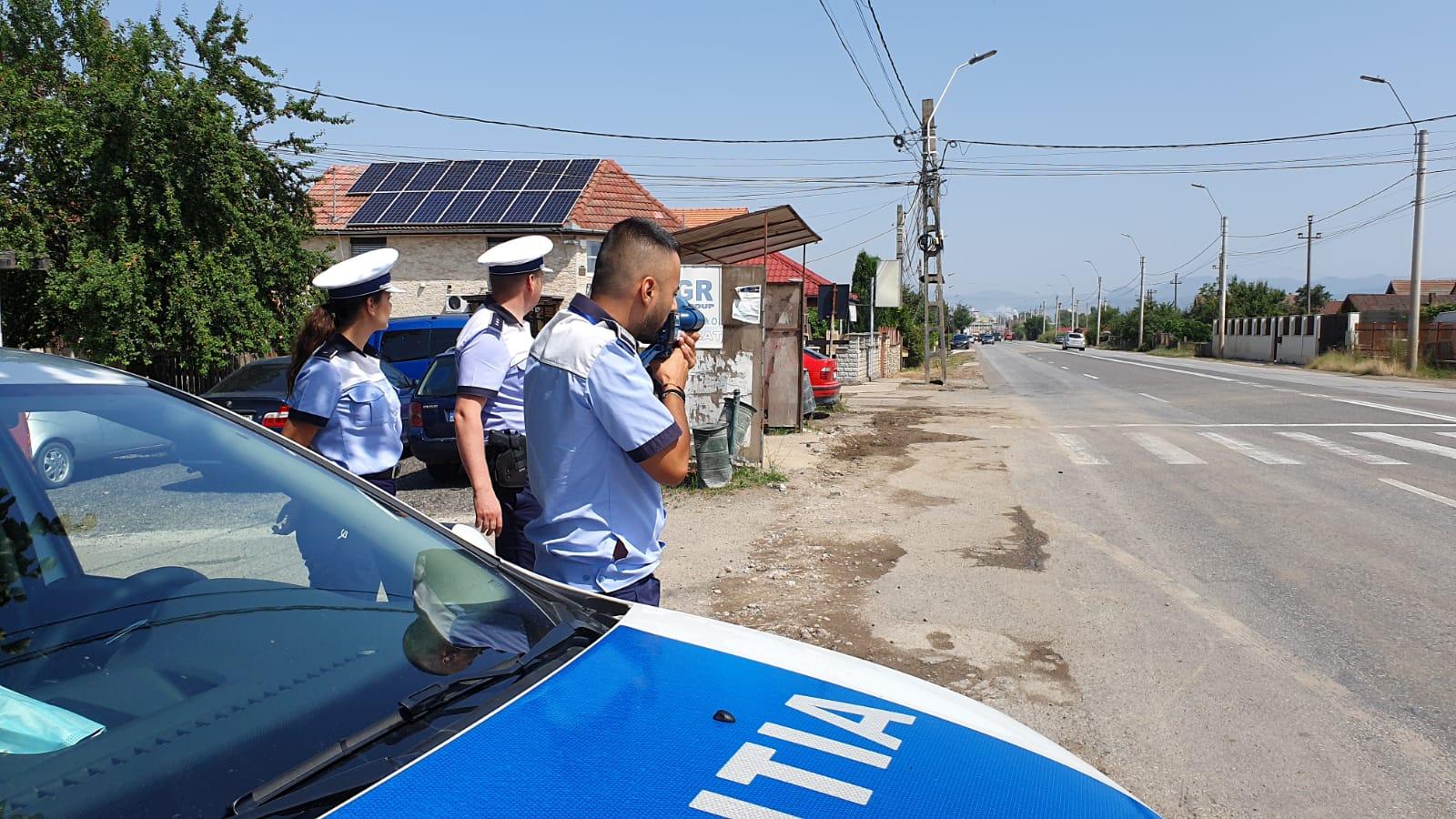 Amplă acțiune a polițiștilor rutieri pe DJ 687. În vizor: șoferii vitezomani