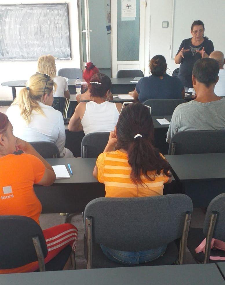 Beneficiari de ajutor social, din Deva, înscriși la cursuri de calificare