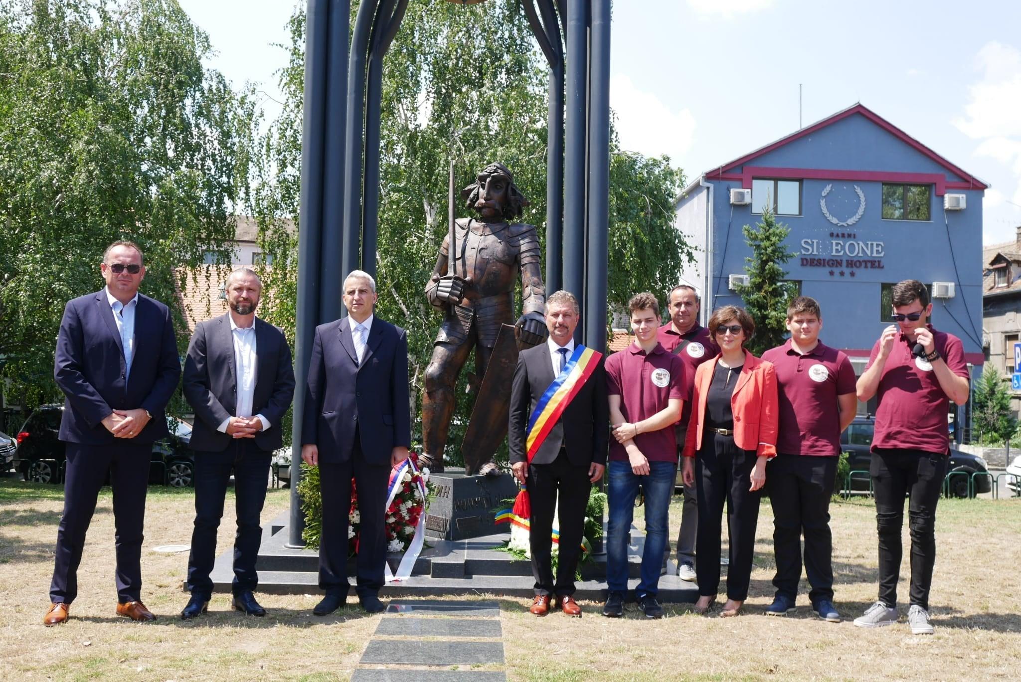 Iancu de Hunedoara, comemorat la Belgrad de primarul Hunedoarei și viceprimarul capitalei Serbiei