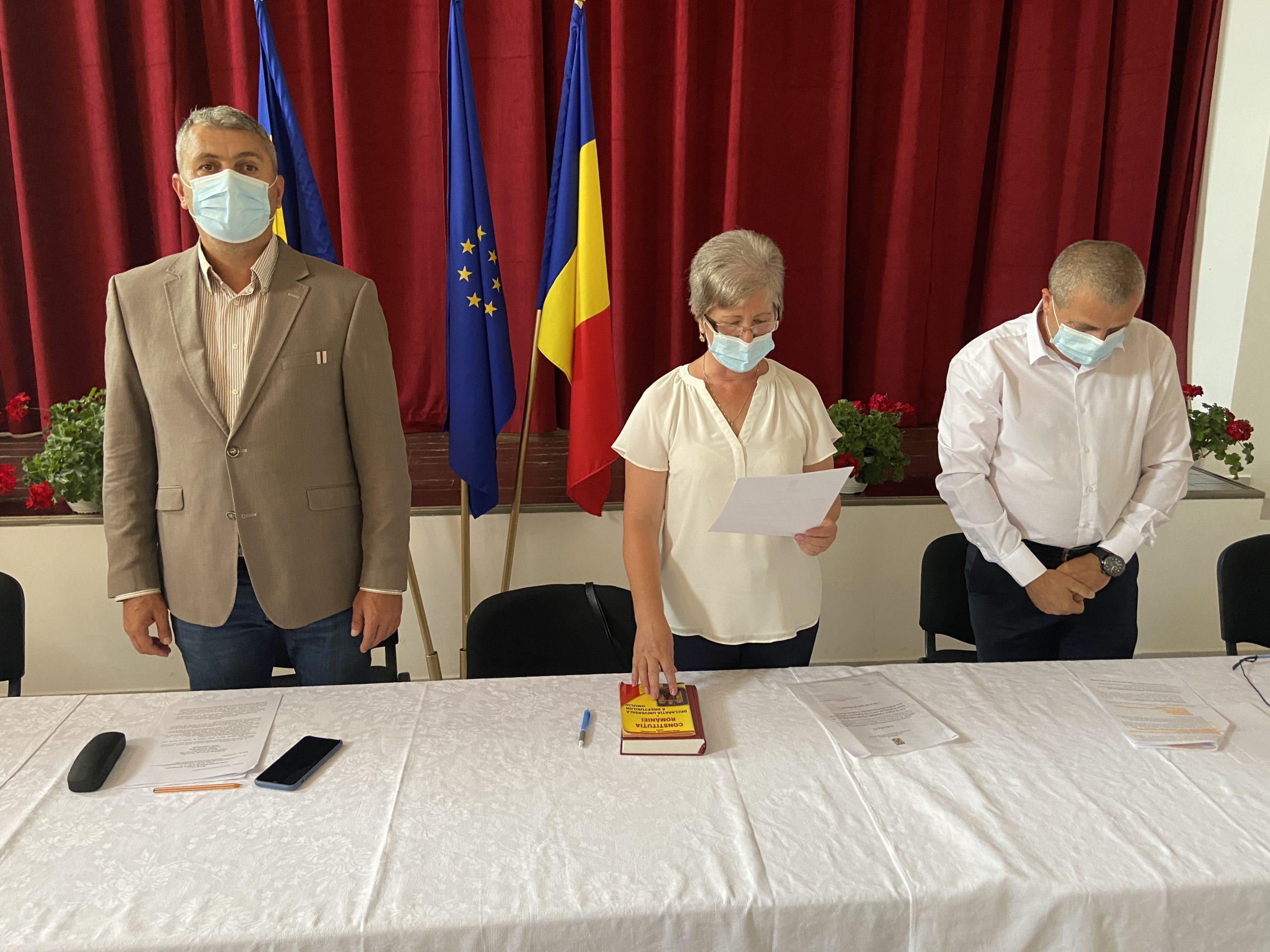 Primarul comunei Romos, Mihaiela Daniela Csatlos-Koncz, a depus jurământul