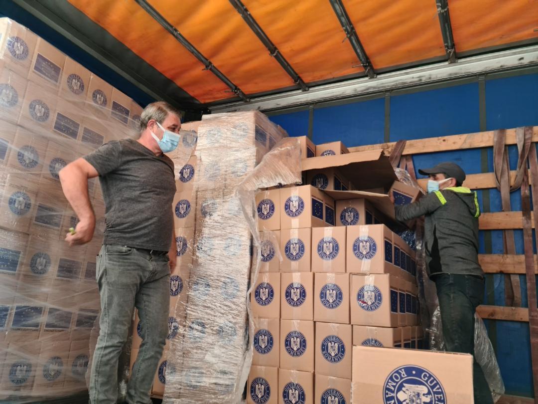 Peste 14.000 de hunedoreni primesc pachete cu produse de igienă de la UE
