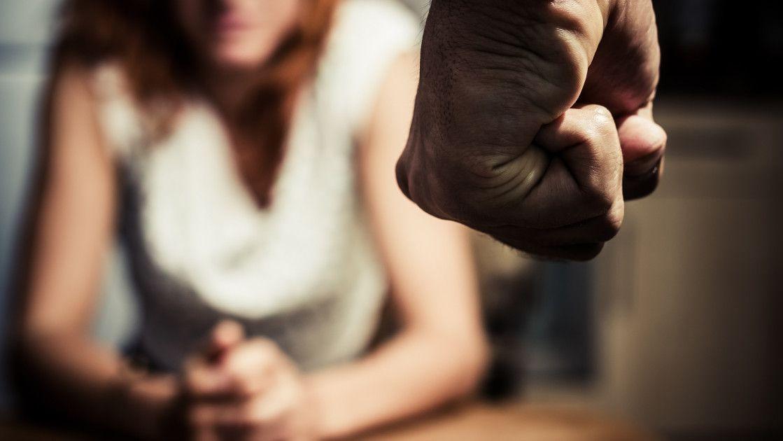 Linie telefonică gratuită pentru victimele violenţei în familie