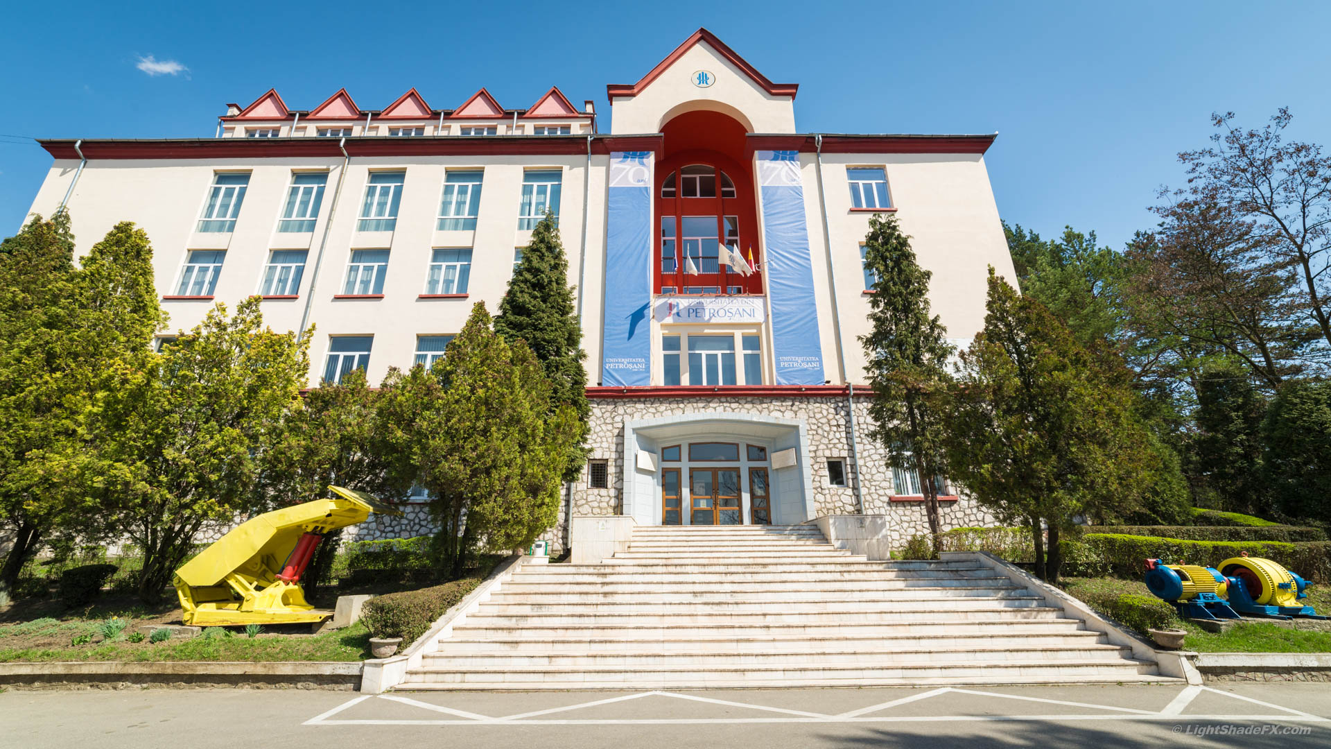 Investiții de un milion de euro în infrastructuri de tip Cloud și Big Data, la Universitatea din Petroșani