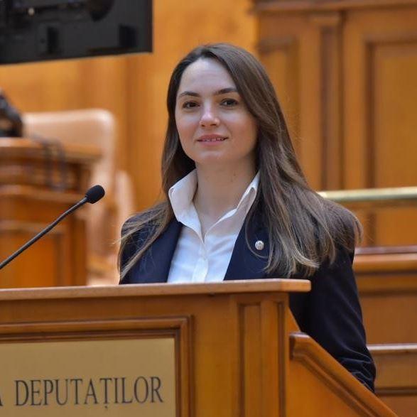 """Anamaria Gavrilă a demisionat din AUR, alegând să își continue mandatul de deputat independent. """"Am fost dezamăgită (…)"""""""