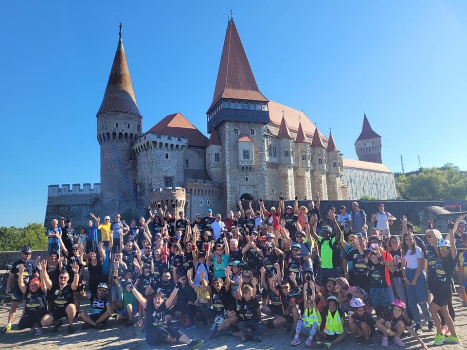 """""""Pedaliada"""" la Hunedoara, cu zeci de participanți. Evenimentul a avut loc simultan în 10 țări europene"""