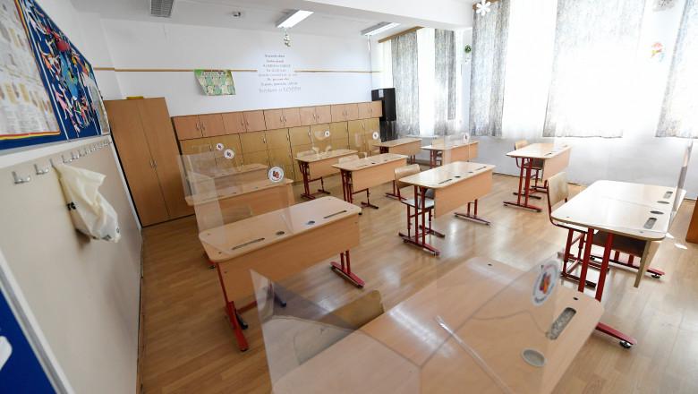 UPDATE: 33 de elevi, studenți și profesori, din județul Hunedoara, infectați cu Covid-19
