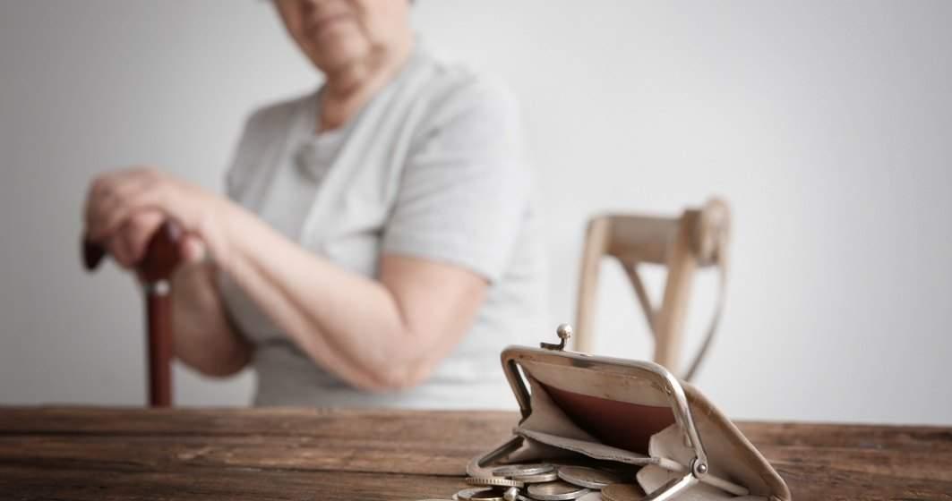 Peste 920.000 de pensionari au primit indemnizația socială în august. Hunedoara, printre județele cu cele mai mari valori