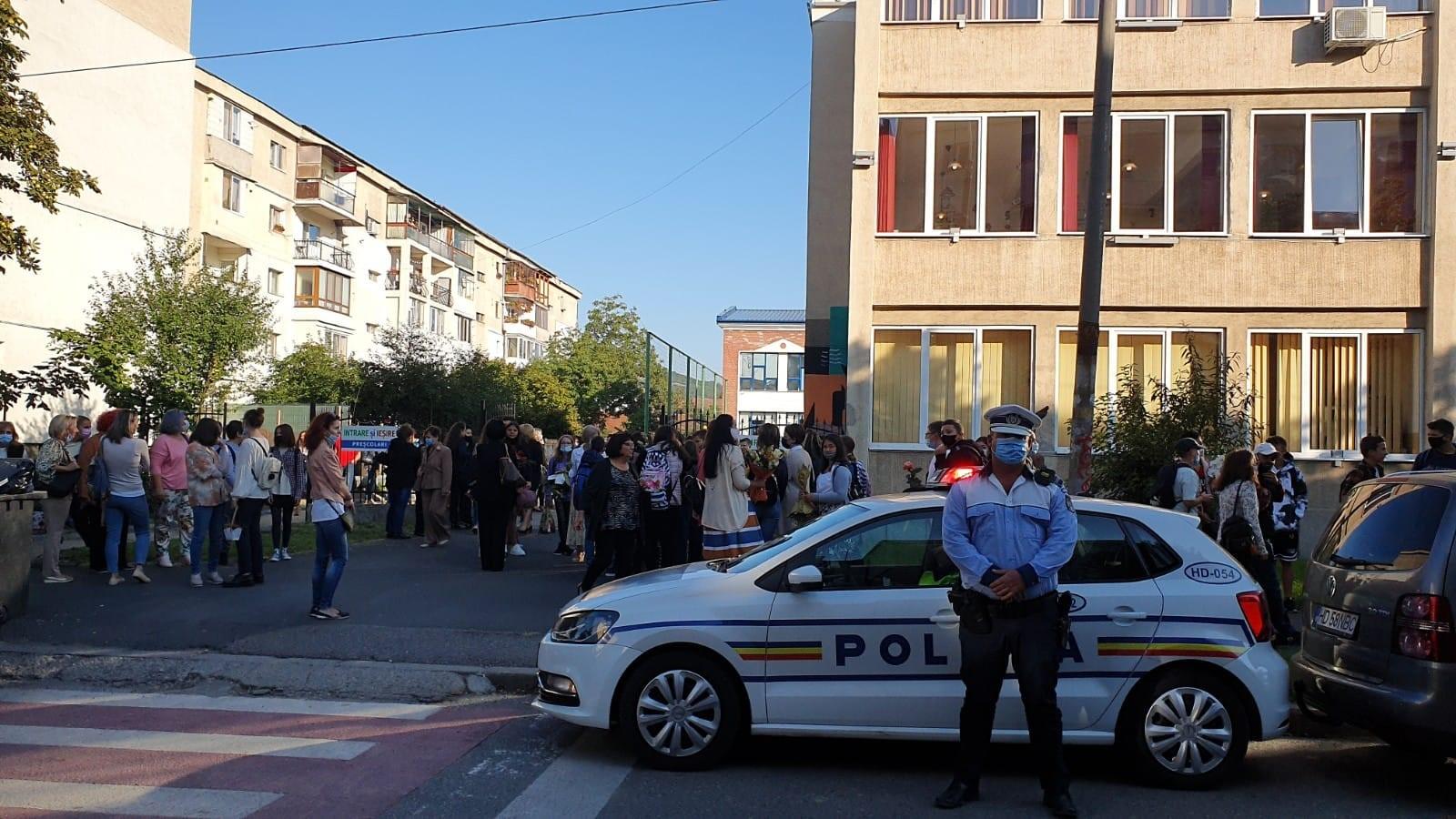 Ample acțiuni ale polițiștilor hunedoreni în zonele instituțiilor de învățământ