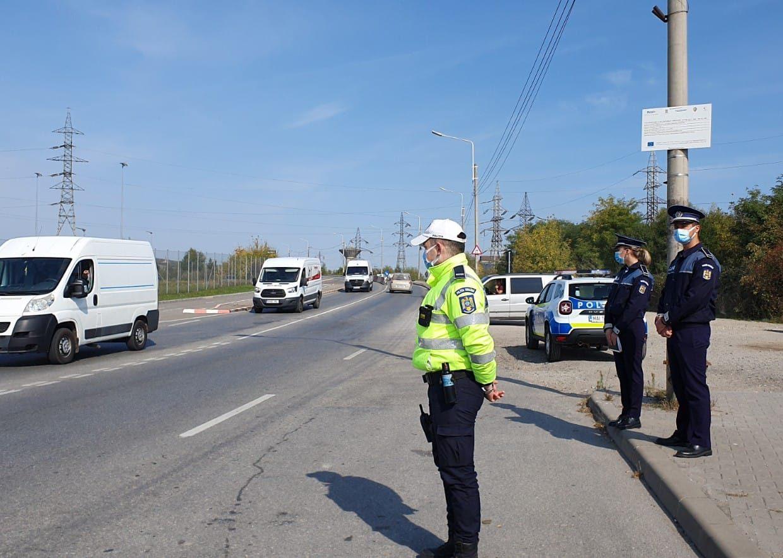 FOTO| Controale ale polițiștilor pe șoselele din județ. Aproape 30 de permise au fost reținute