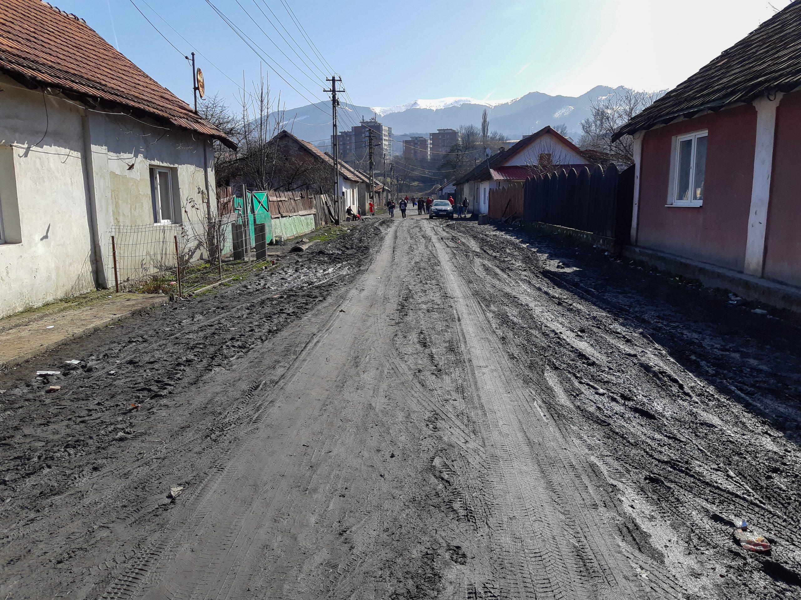 Noi contracte de finanțare, semnate prin POR. Unul vizează reabilitarea unor străzi într-o localitate din județul Hunedoara
