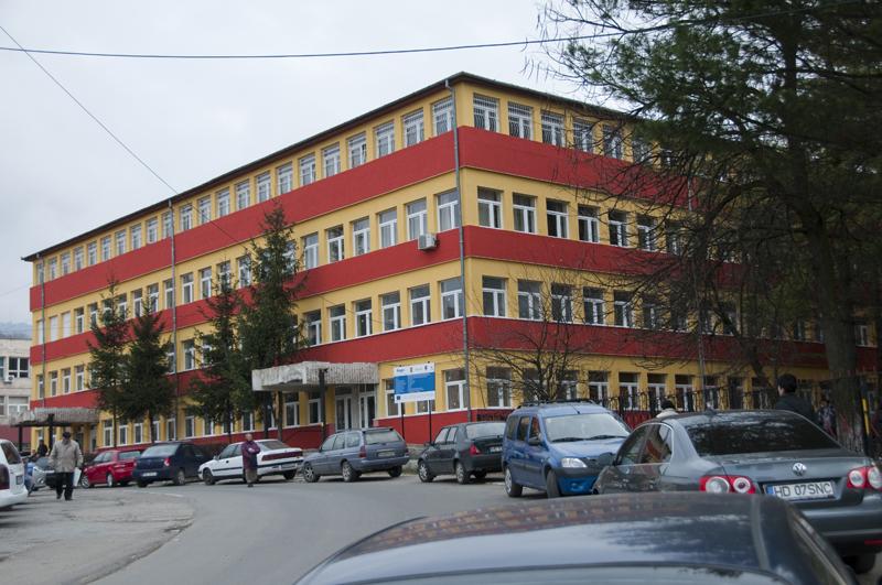 Situație delicată la Spitalul de Urgență din Petroșani. Secția Nou-Născuți a rămas fără medic